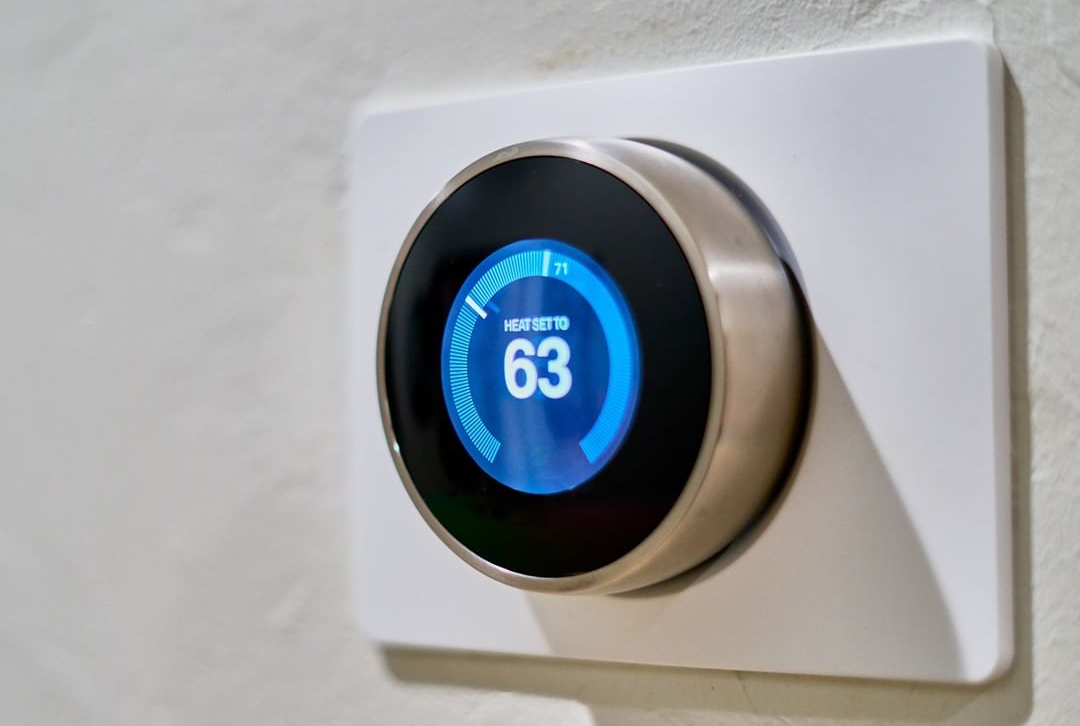 How Thermostat Reduces the Energy Consumption